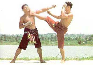 Look Mai Muay Thai Batha Loob Pak