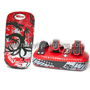 Twins-Kicking-Pads-Tribal-Dragon-FKPL-36B-RD